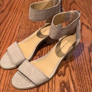 NWOT Lucky Brand shoes